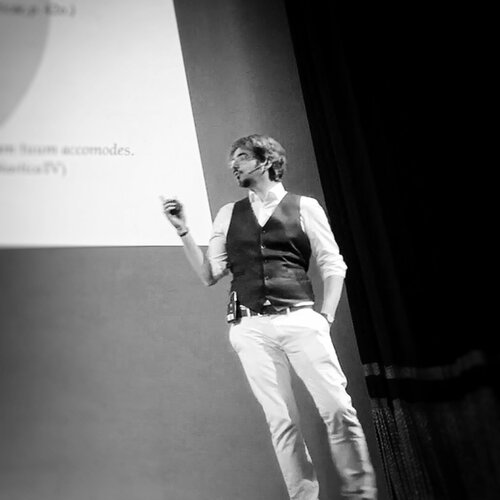 Daniel Pettersson giving a talk